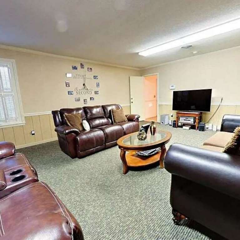 Archbold Treatment Center Waycross GA living room2
